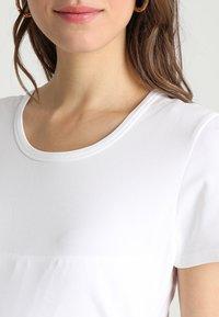 Boob - CLASSIC SHORT SLEEVED - Jednoduché triko - white - 3