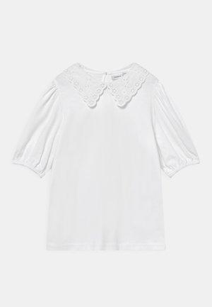 NKFHEIDIL - T-shirt z nadrukiem - bright white