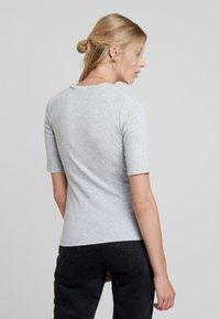 KIOMI - Basic T-shirt - grey - 2