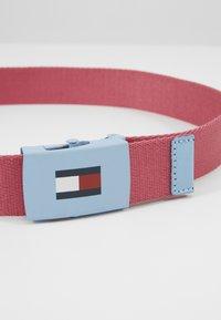 Tommy Hilfiger - KIDS PLAQUE BELT - Belt - red - 2