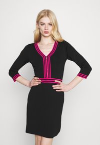 Morgan - Shift dress - noir/bonbon - 4