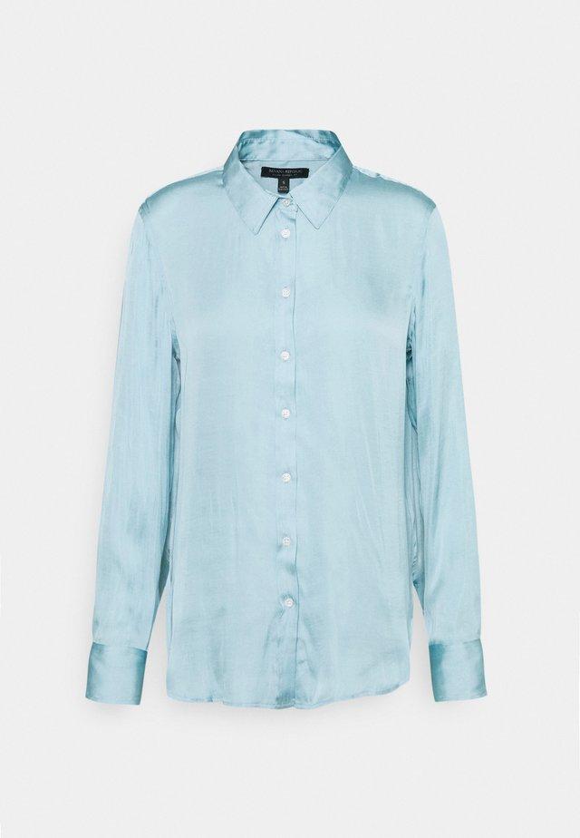 DILLON SOFT - Button-down blouse - bali blue