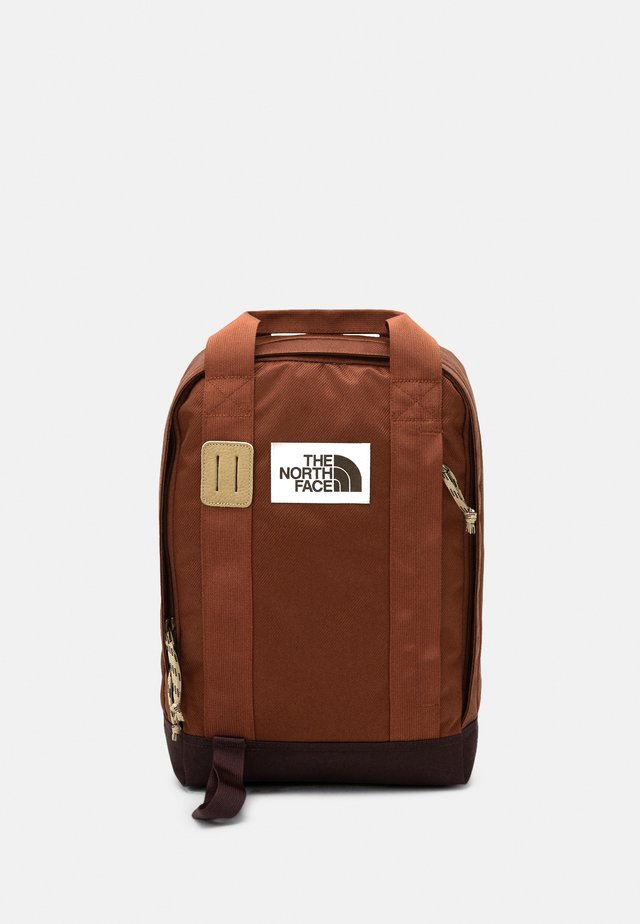 TOTE PACK UNISEX - Mochila - brown