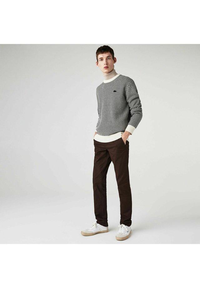 HH9553 - Pantalon classique - marron