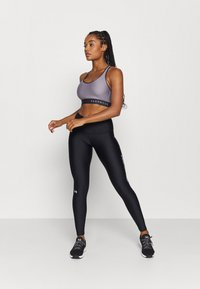 Under Armour - MID KEYHOLE BRA - Sports-BH - slate purple