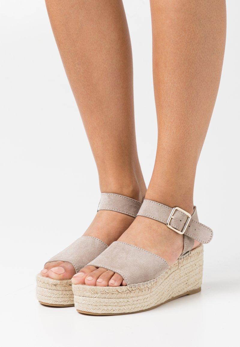 JUTELAUNE - PLATFORM  - Platform sandals - nude