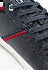 Levi's® - WOODWARD COLLEGE - Trainers - navy blue - 5