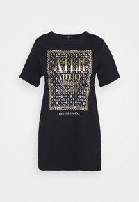 River Island Plus - PLUSLS MONOGRAM JUMBO BOX - Print T-shirt - black - 0