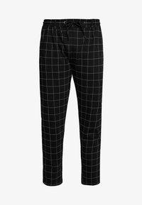 FORMULA CROPPED PEACHEDINTERLOCK PANTS - Broek - black/white