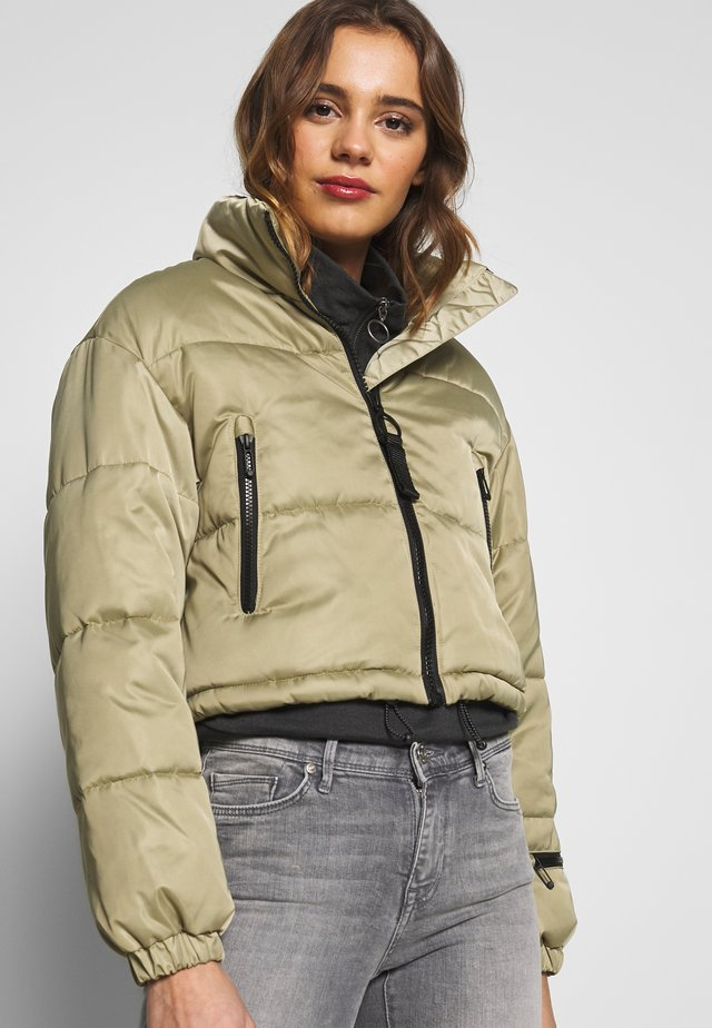 SHELLEY SUPER CROP - Winter jacket - light green