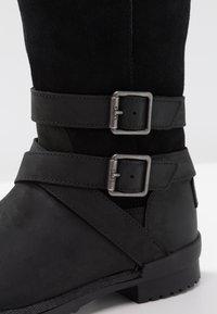 UGG - LORNA BOOT - Boots - black - 2