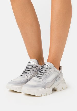 TAYKE OVER - Sneakers - light grey