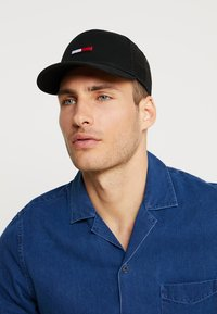 Tommy Jeans - TRUCKER FLAG - Casquette - black - 1