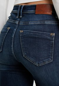 ONLY - ONLSHAPE - Vaqueros pitillo - dark blue denim - 4