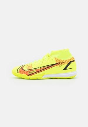 MERCURIAL 8 ACADEMY IC - Indoor football boots - volt/black/bright crimson