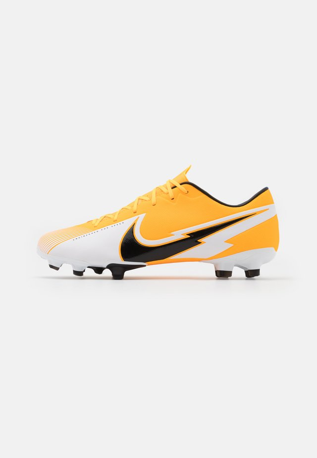 MERCURIAL VAPOR 13 ACADEMY FG/MG - Moulded stud football boots - laser orange/black/white