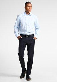 OLYMP Luxor - NEW KENT - Camicia elegante - hellblau - 1