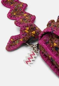 M Missoni - BAGUETTE PUNTO NOCCIOLA - Across body bag - purple - 4