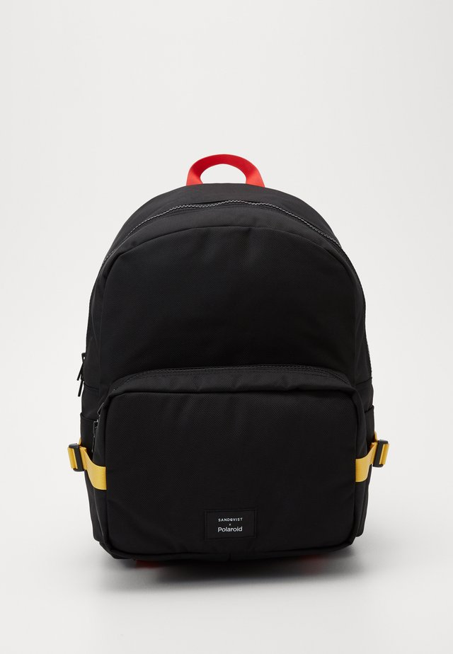 LONDON X SANDQVIST - Tagesrucksack - black