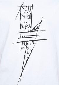 Neil Barrett - SCRIBBLE BOLT - Triko spotiskem - white/black - 5