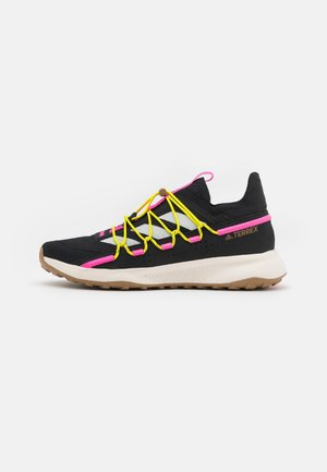 TERREX VOYAGER 21 H.RDY  - Hiking shoes - core black/chalk white/screaming pink