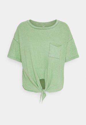 CROP TEE TIE FRONT - T-shirt basic - kenya green