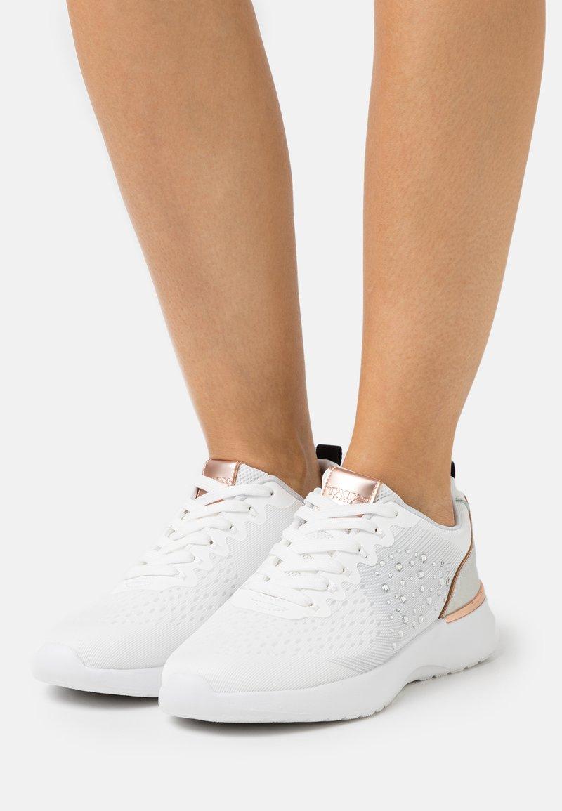 Tata Italia - RENATA - Trainers - white