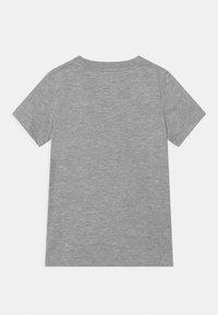 Converse - SHIFTED CHUCKS UNISEX - T-shirt imprimé - grey heather - 1