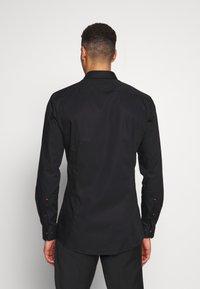 OLYMP - OLYMP NO.6 SUPER SLIM FIT  - Kostymskjorta - schwarz - 2