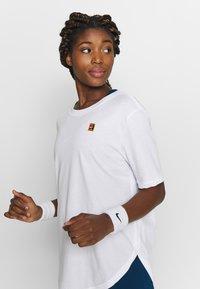 Nike Performance - TEE COURT - Basic T-shirt - white - 3