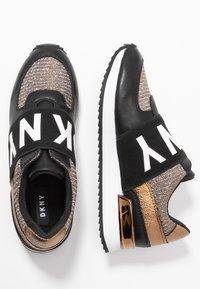 DKNY - MARLI - Nazouvací boty - black/bronze - 3