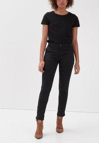 BONOBO Jeans - Pantalones chinos - noir - 3