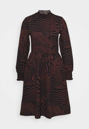 ONLZILLE DETAIL SMOCK DRESS  - Denní šaty - port royale