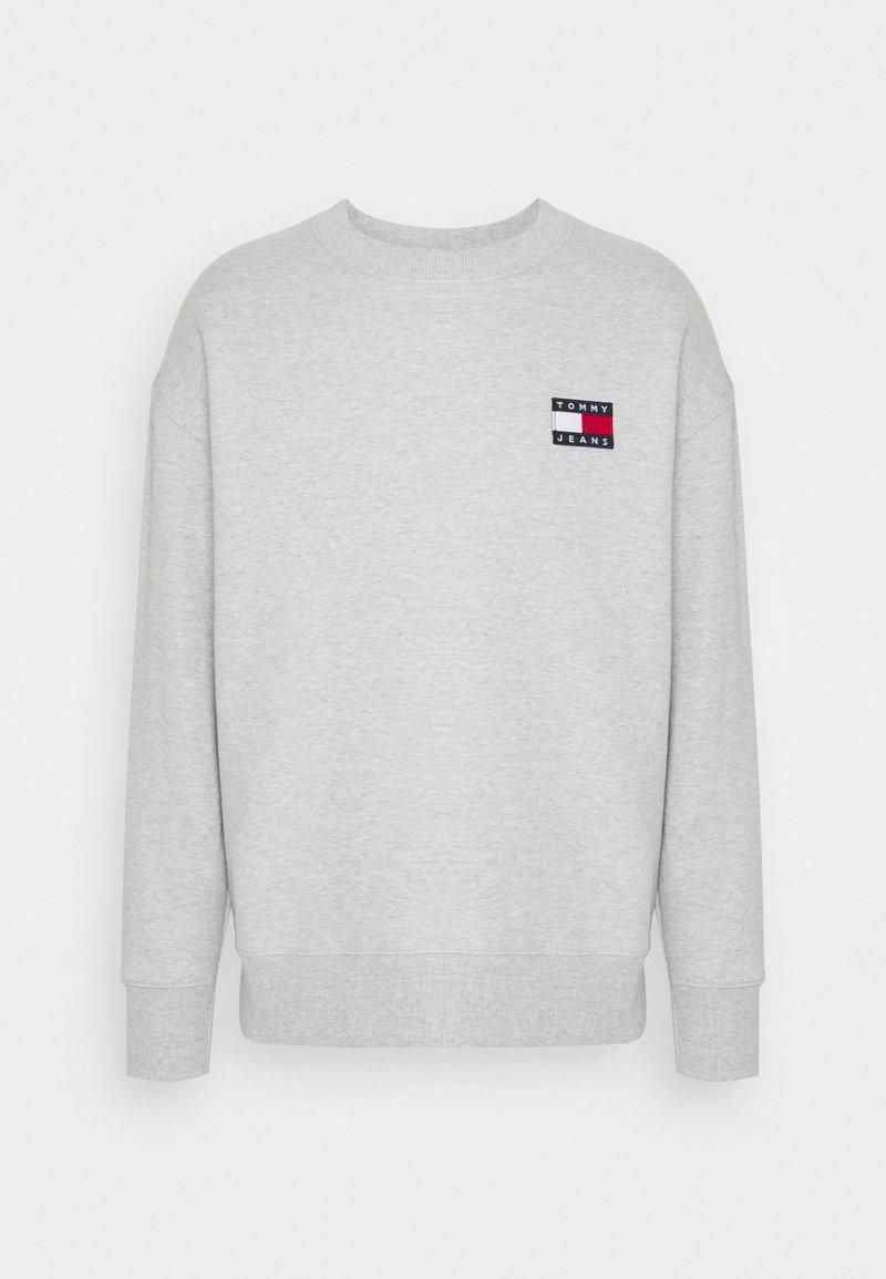 Tommy Jeans - BADGE CREW UNISEX - Sweatshirt - silver grey heather