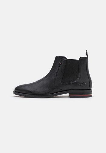 SIGNATURE CHELSEA - Classic ankle boots - black