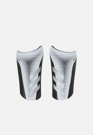 PREDATOR SPORTS FOOTBALL SHIN GUARD UNISEX - Holenní chrániče - white/silvmt/black