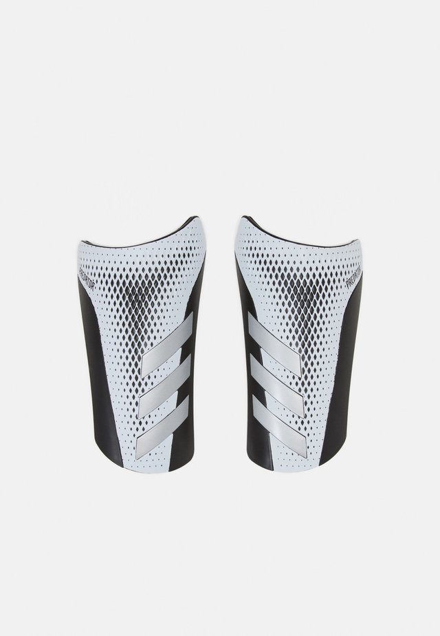 PREDATOR SPORTS FOOTBALL SHIN GUARD UNISEX - Shin pads - white/silvmt/black