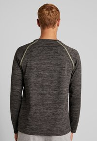 Your Turn Active - T-shirt à manches longues - mottled dark grey - 2