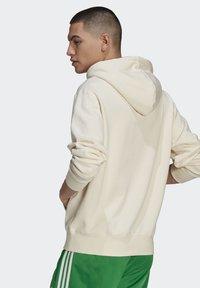 adidas Originals - Jersey con capucha - beige, light green - 1