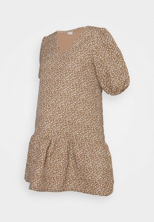 PCMKAKOON QUILTED DRESS - Day dress - warm sand