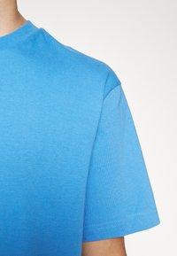 GAP - CREW  - Basic T-shirt - blue peak - 6