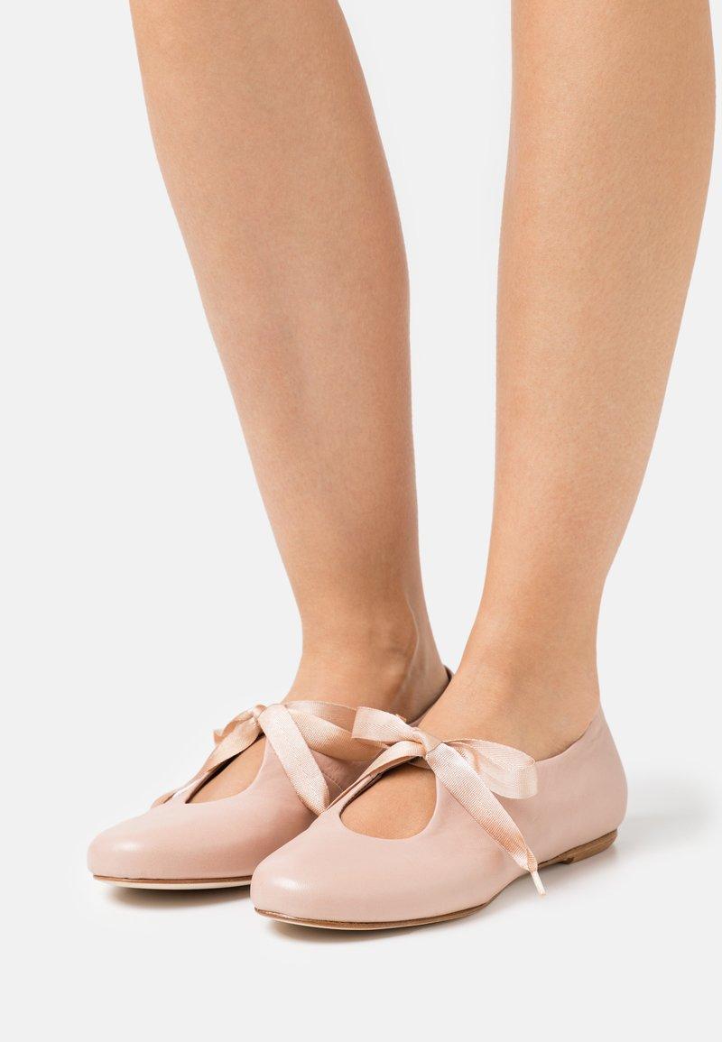 lilimill - Ankle strap ballet pumps - lotus
