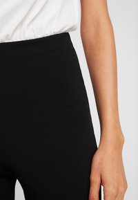 Missguided - TROUSER FLARE - Trousers - black - 6