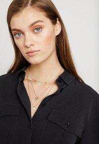 Pilgrim - NECKLACE ARDEN - Necklace - gold-coloured - 1