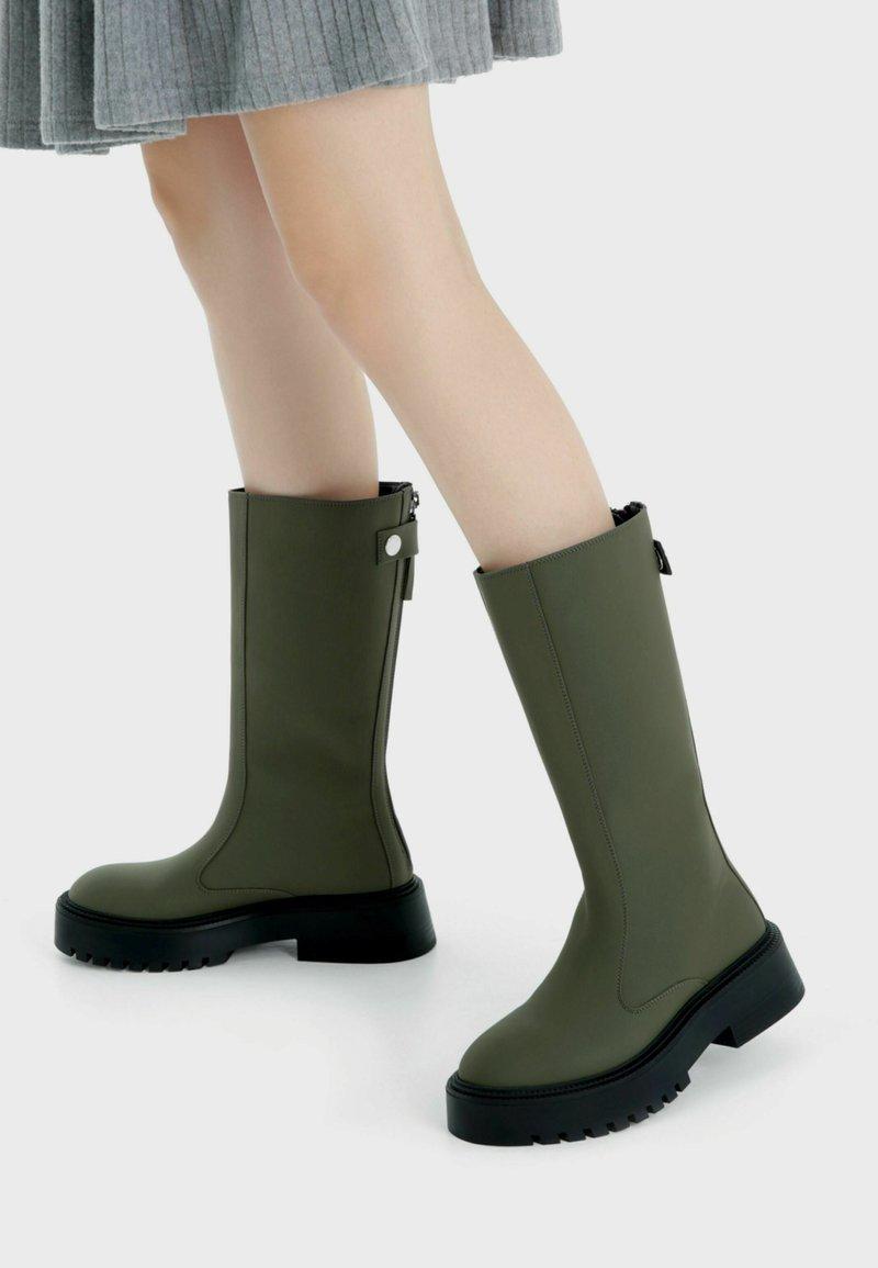 Bershka - Platform boots - khaki