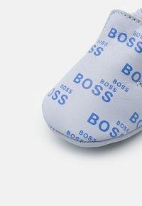BOSS Kidswear - NEW BORN - First shoes - pale blue - 5