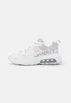 AIR MAX VIVA - Sneakers basse - summit white/platinum tint/grey fog/white/volt