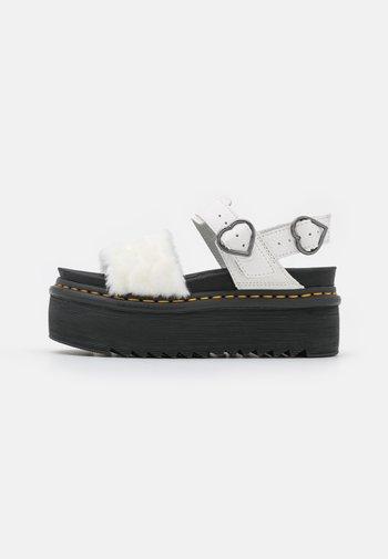 VOSS QUAD FLUFFY - Platform sandals - white