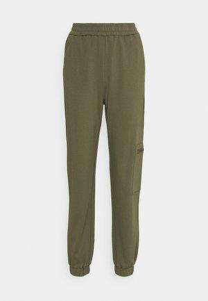 ONLPOPTRASH LIFE ZIP PANT - Trousers - kalamata