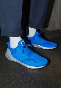 adidas Performance - ULTRABOOST DNA UNISEX - Tenisky - football blue/royalblue - 2